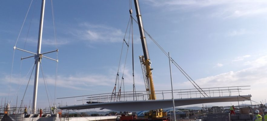 Foryd Bridge Lifting in of the first span at site
