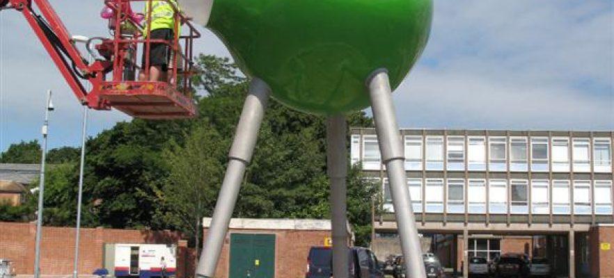 Antelope Park Completion of a David Worthington, 8 metre Sculpture at Southampton